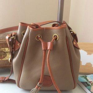 Dooney & Bourke vintage bucket bag. EUC